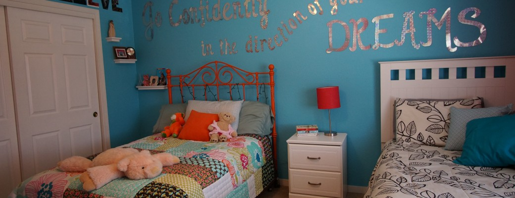 An Easy Way to Decorate with Words on a Wall