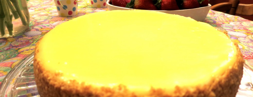 An Amazing Low-Fat, Low-Sugar Lemon Cheesecake